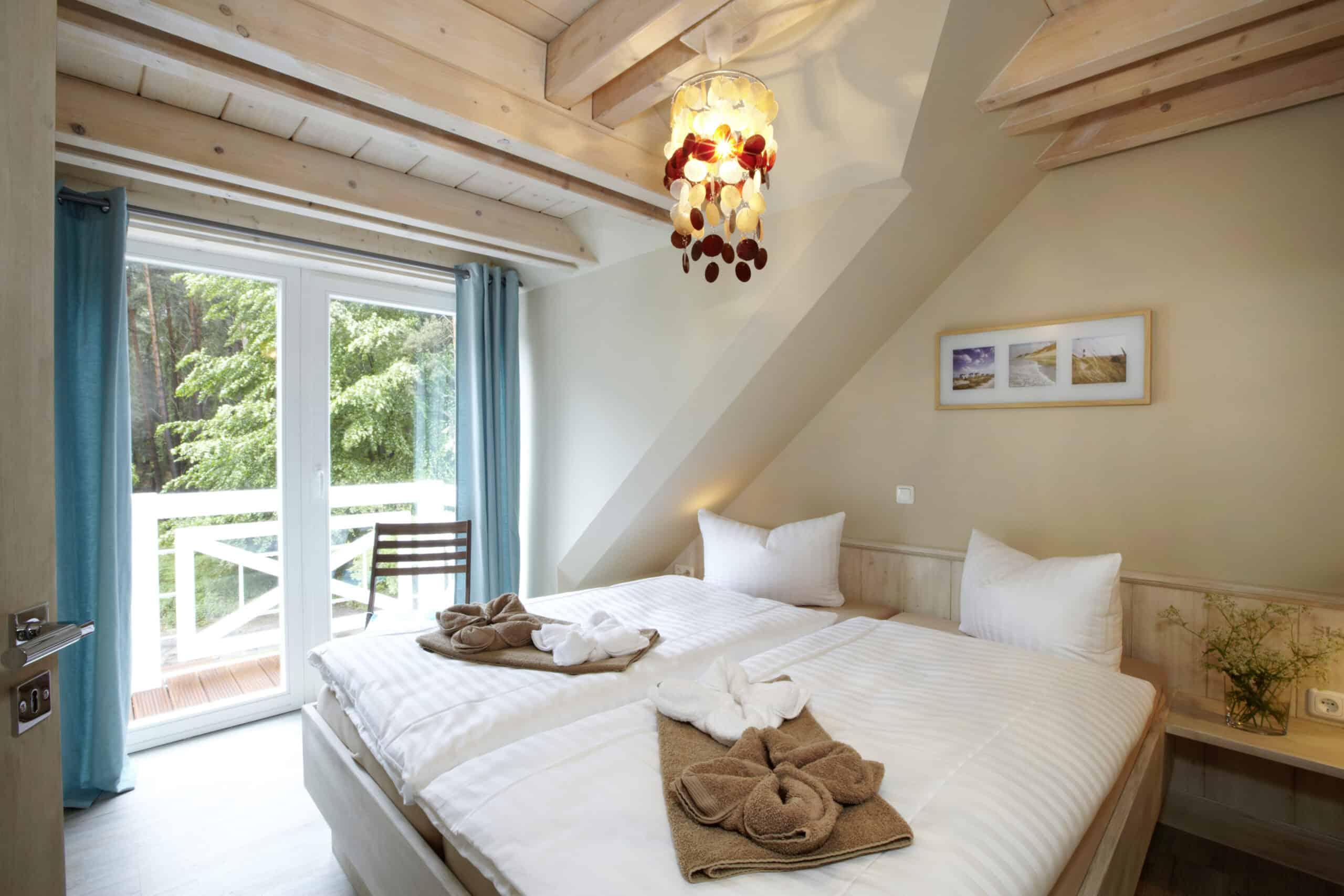 Blankenfohrt Strandwohnung Maisonette Schlafzimmer scaled